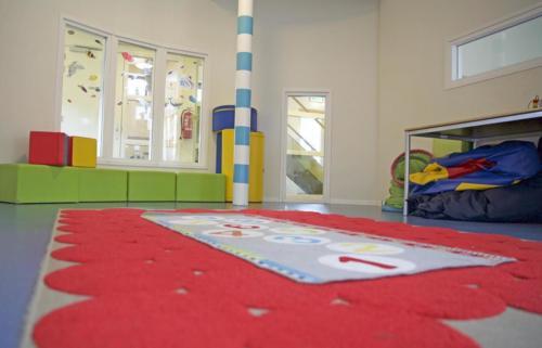 De speelkamer voor de kinderen.